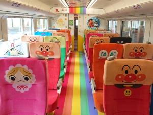 「アンパンマン列車」の新車両を利用して夏休み家族旅行♪