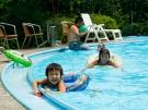暑い夏はプールで大はしゃぎ♪ 7月21日空室あります